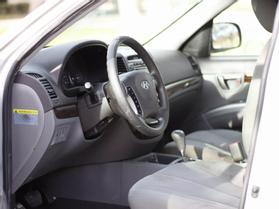 2012 Hyundai Santa Fe Gls Sport Utility 4d  Nta-122972 - Image 2