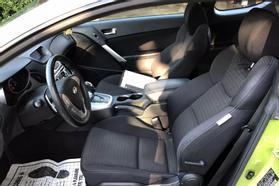 2010 Hyundai Genesis Coupe 2.0t Premium Coupe 2d  Rnd031188 - Image 13
