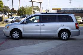 2012 Chrysler Town & Country Touring Minivan 4d  Rnd158285 - Image 5