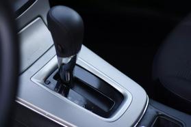 2015 Nissan Sentra S Sedan 4d  Rnd321437 - Image 15