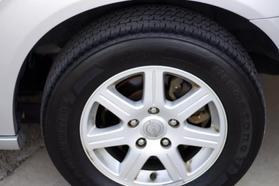 2012 Chrysler Town & Country Touring Minivan 4d  Rnd158285 - Image 14