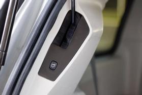 2012 Chrysler Town & Country Touring Minivan 4d  Rnd158285 - Image 45