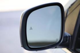 2012 Chrysler Town & Country Touring Minivan 4d  Rnd158285 - Image 13