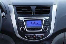 2014 Hyundai Accent Gs Hatchback 4d  Rnd192600 - Image 19