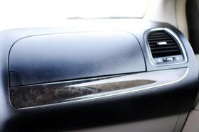 2012 Chrysler Town & Country Touring Minivan 4d  Rnd158285 - Image 33
