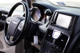 2012 Chrysler Town & Country Touring Minivan 4d  Rnd158285 - Image 17