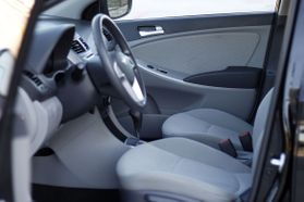 2014 Hyundai Accent Gs Hatchback 4d  Rnd192600 - Image 13