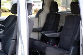 2012 Chrysler Town & Country Touring Minivan 4d  Rnd158285 - Image 19