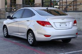 2014 Hyundai Accent Gls Sedan 4d  Rnd721001 - Image 5