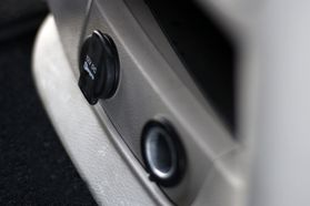 2012 Chrysler Town & Country Touring Minivan 4d  Rnd158285 - Image 31