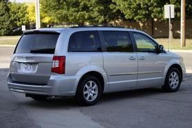 2012 Chrysler Town & Country Touring Minivan 4d  Rnd158285 - Image 8