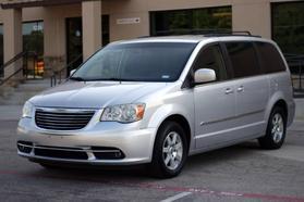 2012 Chrysler Town & Country Touring Minivan 4d  Rnd158285 - Image 4