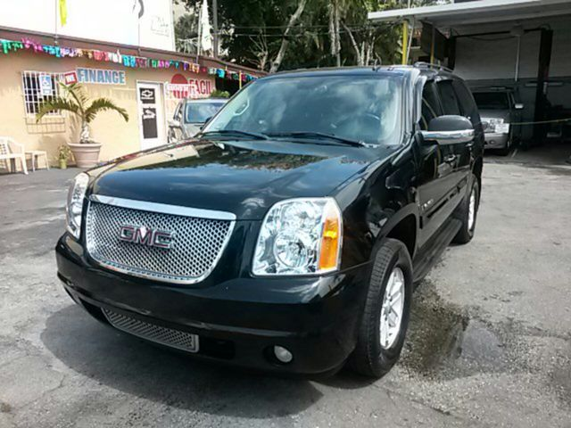2007 GMC Yukon SLT Sport Utility 4DArtic cold ac All records in possession Mint Condition Full
