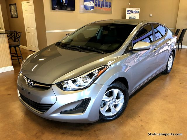 2014 Hyundai Elantra SE Sedan 4DCarfax certified 1 owner 0 accidents excellent conditionWe