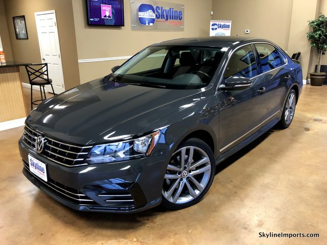 2016 Volkswagen Passat 18T R-Line Sedan 4DCarfax certified 1 owner accident free and only 39K M