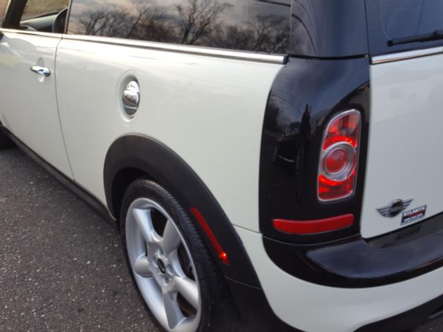 2011 Mini Clubman Cooper S Hatchback 3D: 2011 MINI Clubman S Cooper